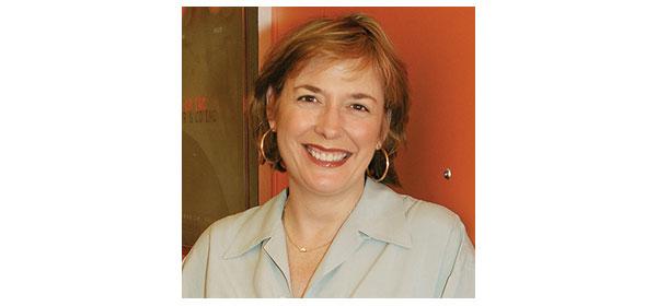 Mary Pisarkiewicz Headshot